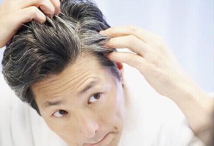 少白头透露的健康警示与心脏病、营养、吸烟、基因等有关