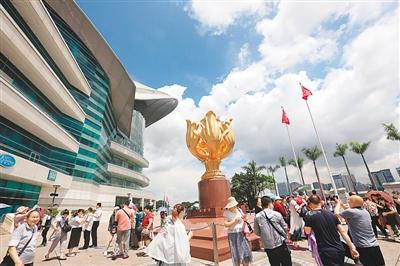 内地访港游客恢复增长 占香港入境市场近八成