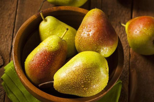 秋意渐浓天气干燥,多食梨子改善秋燥