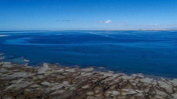 青海湖面积持续扩大 达到17年来最大值