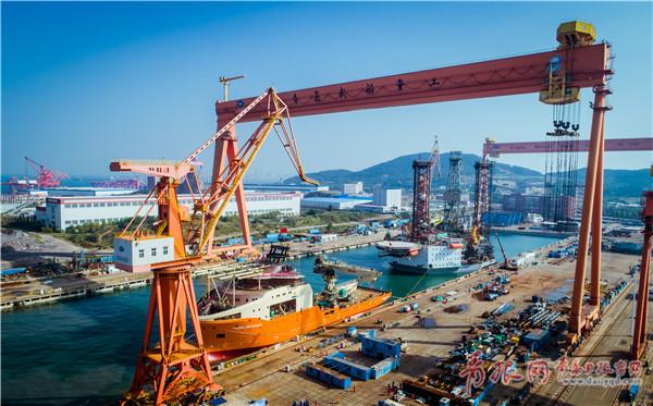△今年9月,中船重工武船集团在青岛海西湾基地建造的水下机器人支持船