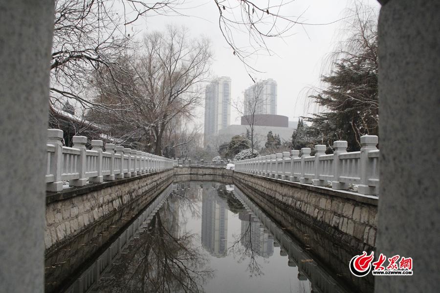 雪后的华东革命烈士陵园。