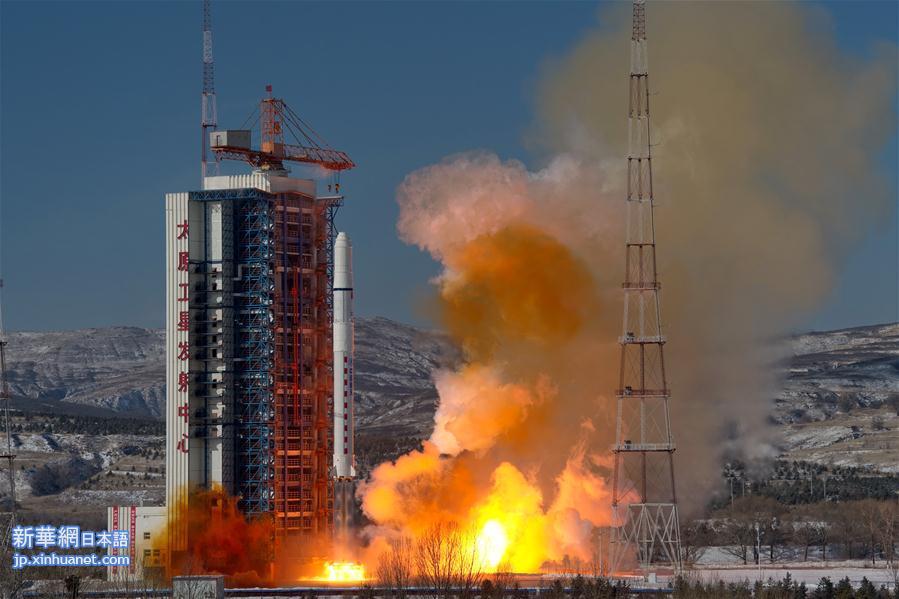 中国の地球観測衛星、高景1号(SuperView1)03、04が9日11時24分、山西省の太原衛星発射センターから長征2号Dロケットにより打ち上げられた。2機の衛星は順調に予定軌道に入り、中国は2018年初の打ち上げに成功した。<br/>  2016年末に発射された2機と合わせ、0・5メートルの高分解能を持つ地球観測衛星4機による衛星コンステレーション(複数の衛星を協調して作動させる運用方式)が完成した。