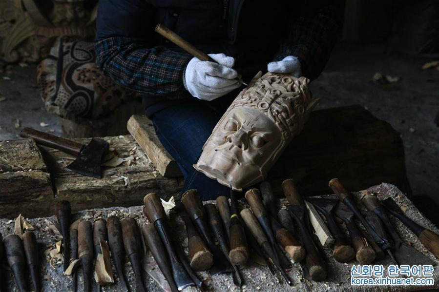 구이저우 안순: 정교한 전통가면극 가면