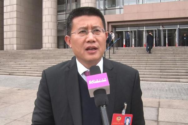 山东省政协委员张法水:大力兴建农村露天游泳池