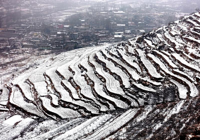 此次降雪有利于山区林木发芽、小麦返青。<br/>