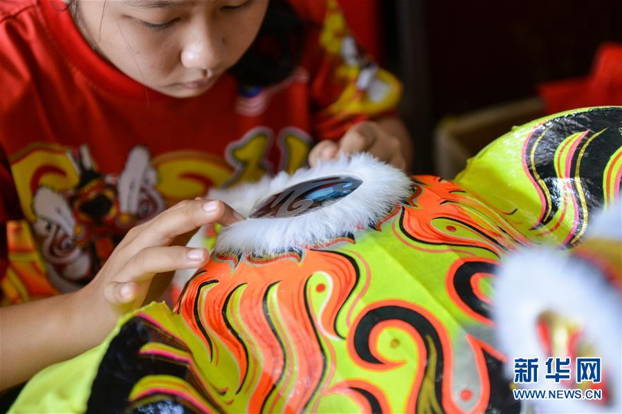 (国际·编辑连线)(3)萧斐弘:马来西亚的舞狮带路人