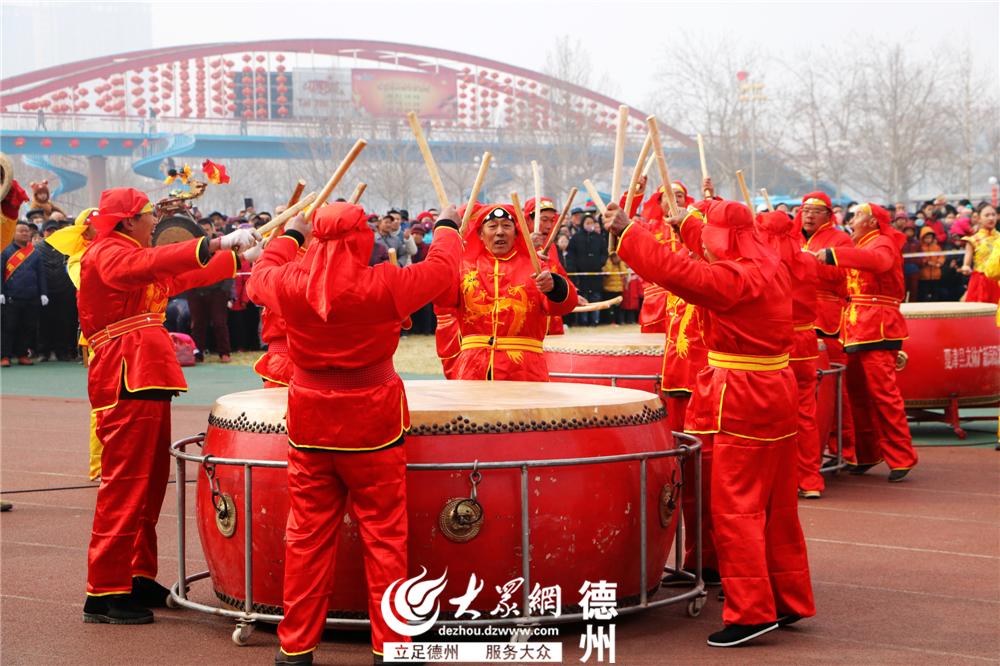 夏津县带来了&amp;rdquo;敲架鼓&amp;ldquo;文艺展演。<br/>