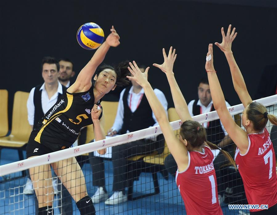 Vakifbank's Zhu Ting (Top) spikes during the second leg match between Vakifbank and Besiktas of the 2017-2018 Turkish Women Volleyball League Playoffs Quarter Final in Istanbul, Turkey, on March 6, 2018. Vakifbank won 3-0 and was qualified for the semifinal. (Xinhua/He Canling)Vakifbank's Zhu Ting (L) spikes during the second leg match between Vakifbank and Besiktas of the 2017-2018 Turkish Women Volleyball League Playoffs Quarter Final in Istanbul, Turkey, on March 6, 2018. Vakifbank won 3-0 and was qualified for the semifinal. (Xinhua/He Canling)<br/>