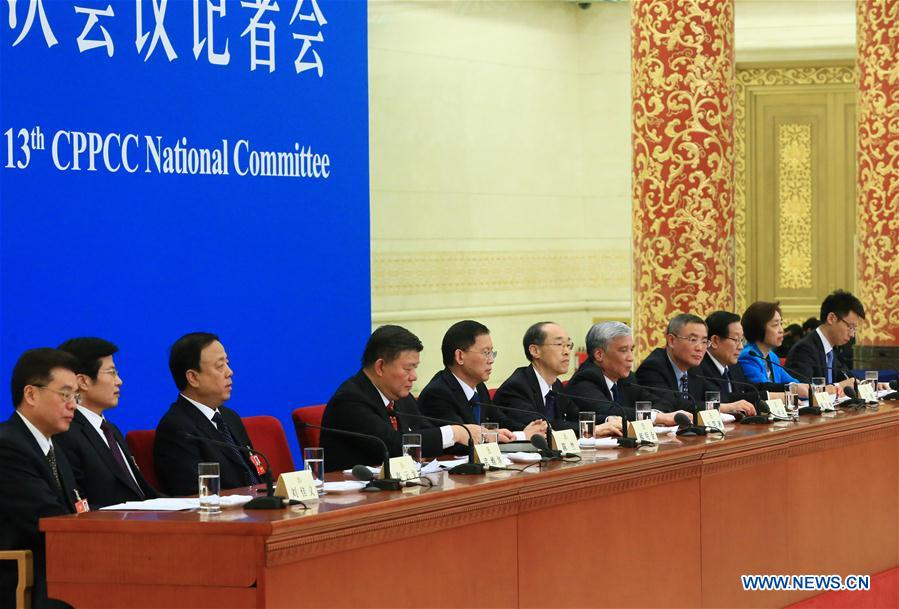 Leaders from non-Communist parties and the All-China Federation of Industry and Commerce take questions at a press conference during the first session of the 13th National Committee of the Chinese People's Political Consultative Conference (CPPCC) in Beijing, capital of China, March 6, 2018. (Xinhua/Xing Guangli)<br/>