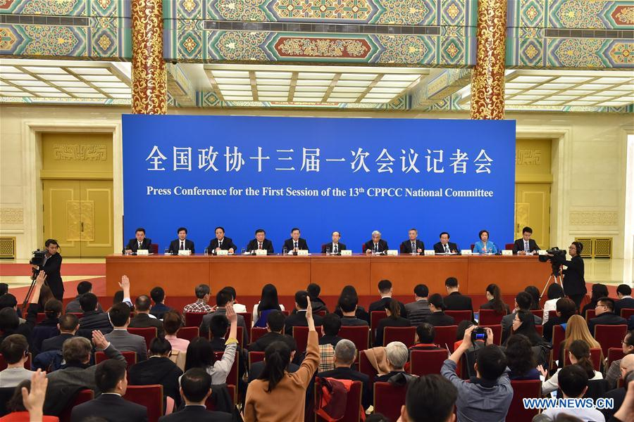 Leaders from non-Communist parties and the All-China Federation of Industry and Commerce attend a press conference during the first session of the 13th National Committee of the Chinese People's Political Consultative Conference (CPPCC) in Beijing, capital of China, March 6, 2018. (Xinhua/Li Xin)<br/>