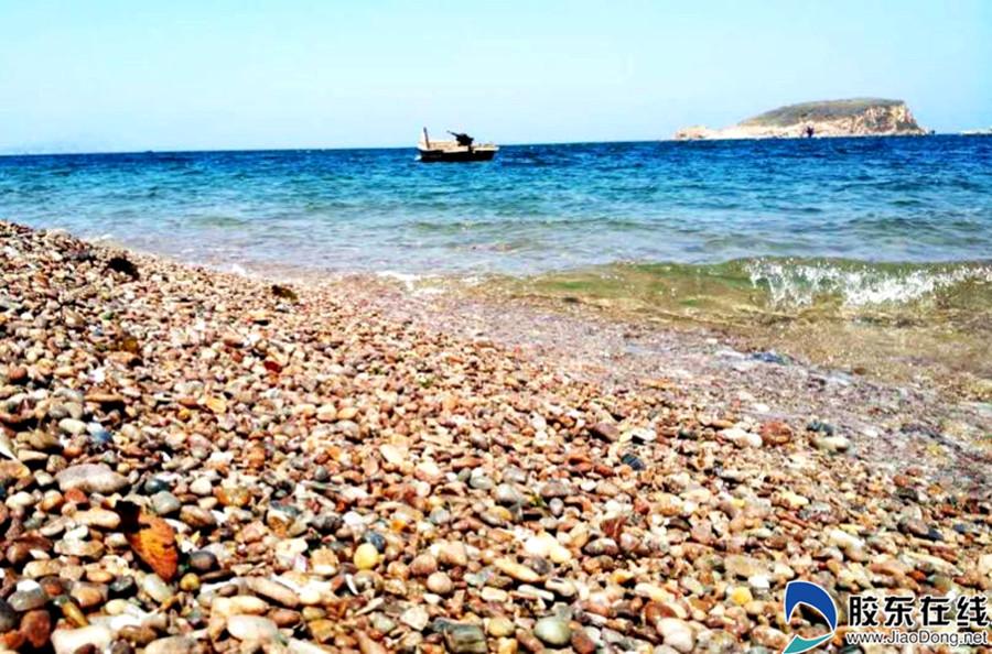 崆峒岛彩石海滩