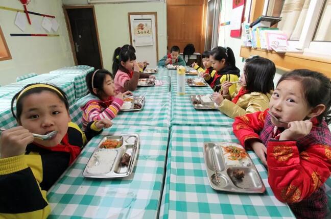"""山东公布公示9842家学生""""小饭桌""""名单"""