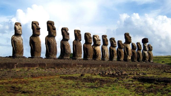 海平面上升侵蚀海岸 智利摩艾石像面临消失风险