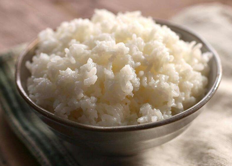 一碗米饭等于一碗白糖 一共犯了几个错误?