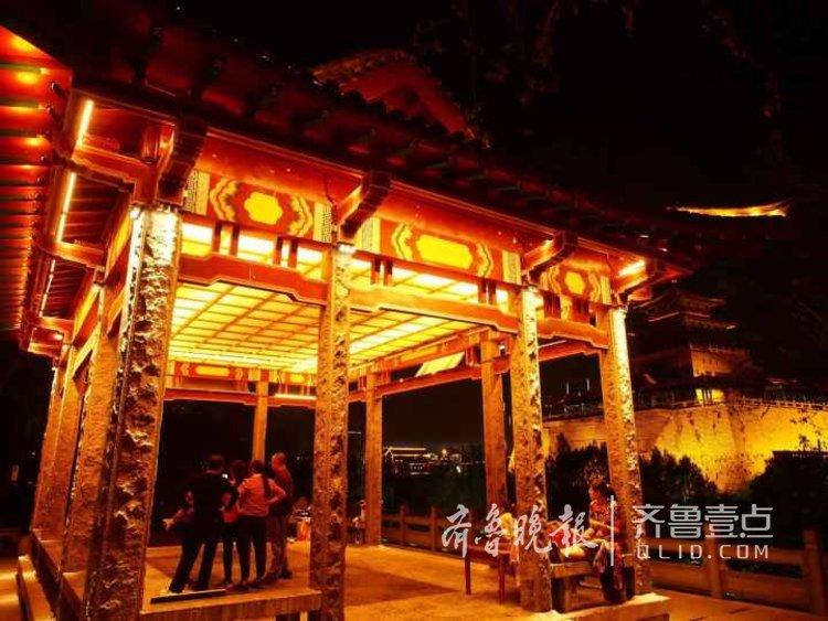 济南自从泉城夜宴上席,夜色不同以往,游济南可别夜色。<br/>
