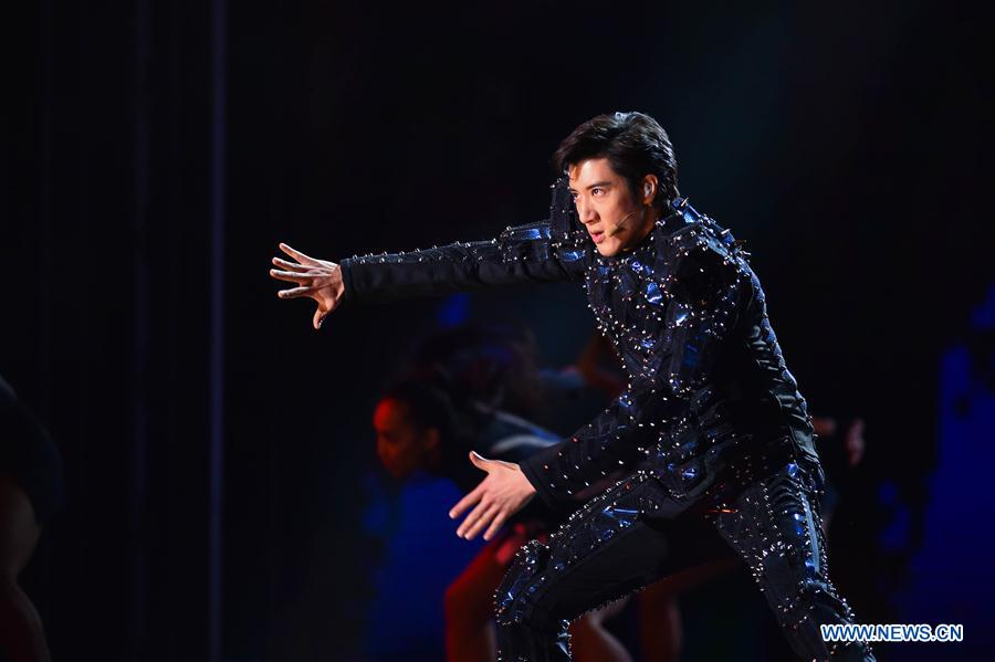 Lee-Hom Wang performs during the opening ceremony of the 8th Beijing International Film Festival (BJIFF) in Beijing, capital of China, April 15, 2018. (Xinhua/Zhang Chenlin)<br/>