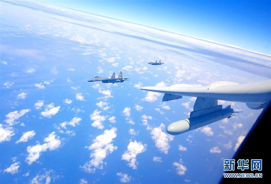 4월 19일, 중국공군 굉(轟)-6K 등 여러 유형의 전투기가 해상 방향실전군사훈련을 진행했다.<br/>  이날 신진과(申進科) 중국공군 보도 대변인은 공군은 최근 여러대의 폭격기와 정찰기들을 조직해 섬을 둘러싼 순항임무를 체계적으로 수행함으로써 국가주권과 영토 완정을 수호할 능력 훈련을 강화하고 있다고 소개했다.<br/>