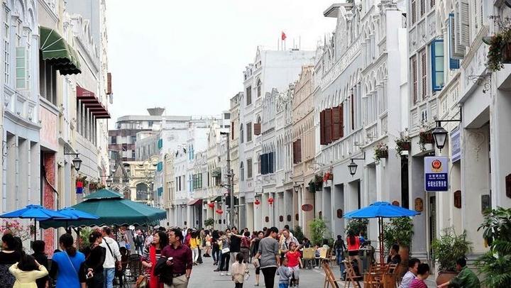骑楼老街:海南文化地标
