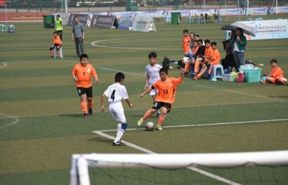 济宁第四届校园足球联赛闭幕 3300余人参赛