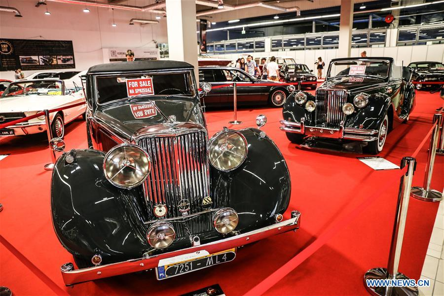Vintage cars are seen during the 2018 Warsaw Oldtimer Show in Nadarzyn, southwest of Warsaw, Poland, on May 13, 2018. The show was held here from May 12 to May 13, attracting about 300 exhibitors to display almost 2,000 vintage cars. (Xinhua/Chen Xu)