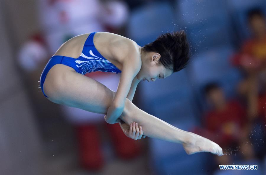 China's Zhang Jiaqi competes during the women's 10m platform final at the FINA Diving World Cup 2018 in Wuhan, central China's Hubei Province, on June 6, 2018. Zhang Jiaqi claimed the title with a total of 427.30 points. (Xinhua/Xiong Qi)<br/>