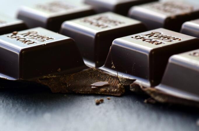 减压消炎增强记忆力 给你吃黑巧克力的理由