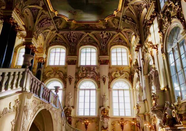 世界杯景点巡礼:圣彼得堡冬宫