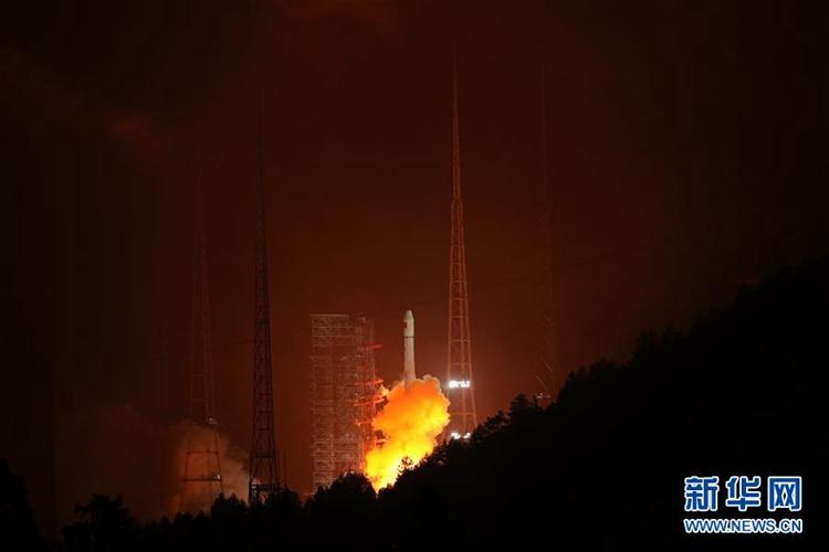 중국 베이더우 2호 항법위성 발사 성공