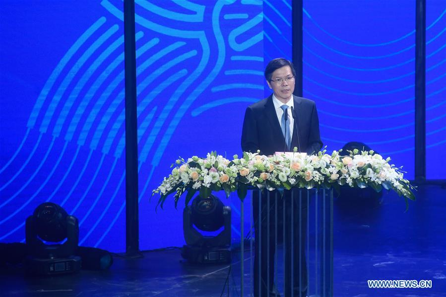 Xu Liyi, Mayor of Hangzhou, speaks during the Emblem Launch Ceremony for the 19th Asian Games Hangzhou 2022 on Aug. 6, 2018, in Hangzhou, capital of east China's Zhejiang Province.(Xinhua/Huang Zongzhi)<br/>