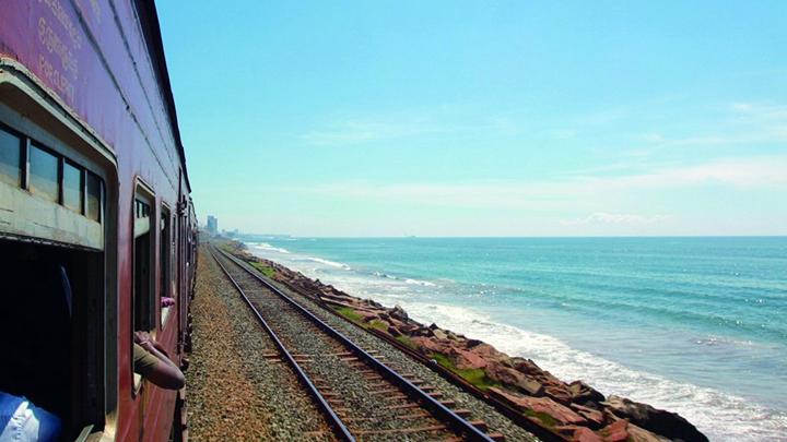 在斯里兰卡海岸看沧海桑田