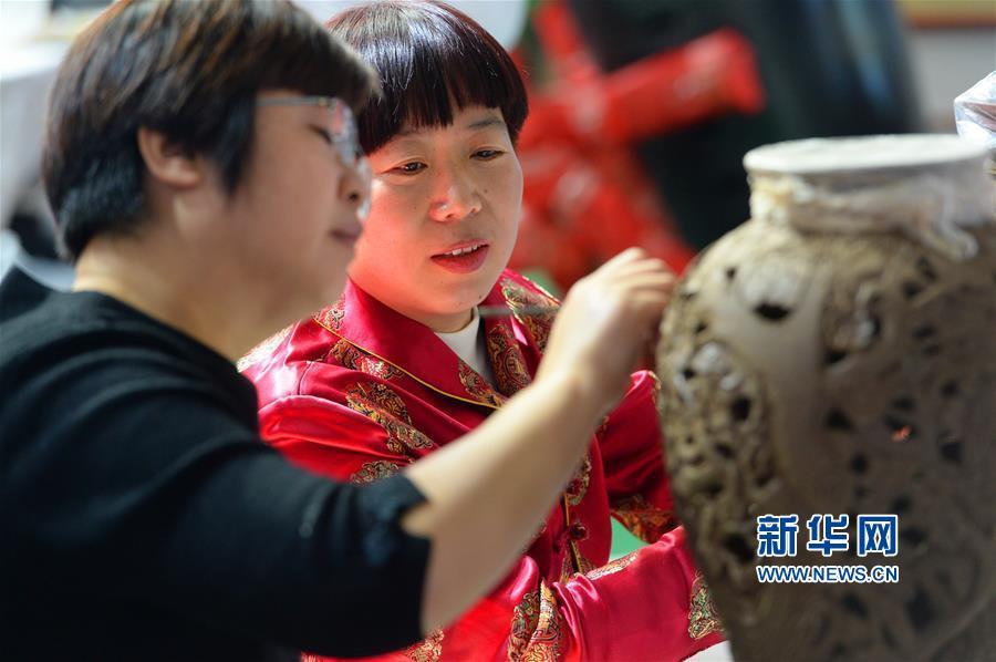 10月11日,第七届山东文化产业博览交易会在济南国际会展中心拉开帷幕。<br/>
