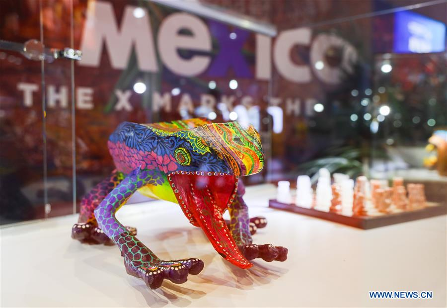 A handicraft is displayed at the Mexico pavilion during the first China International Import Expo (CIIE) in Shanghai, east China, Nov. 5, 2018. A total of 82 countries and three international organizations showcased their achievements in economic and trade development as well as competitive products at 71 booths in the Country Pavilion for Trade and Investment at the CIIE. (Xinhua/Liu Dawei)<br/>