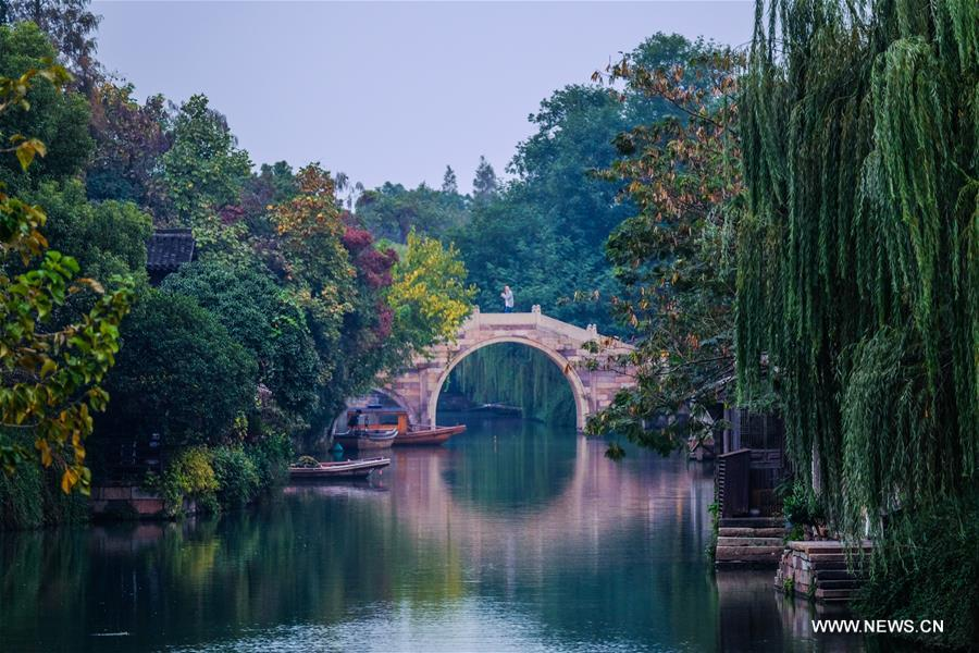 Photo taken on Nov. 6, 2018 shows the scenery of Wuzhen, east China's Zhejiang Province. The fifth World Internet Conference (WIC) is scheduled to run from November 7-9 in the river town of Wuzhen. (Xinhua/Xu Yu)<br/>