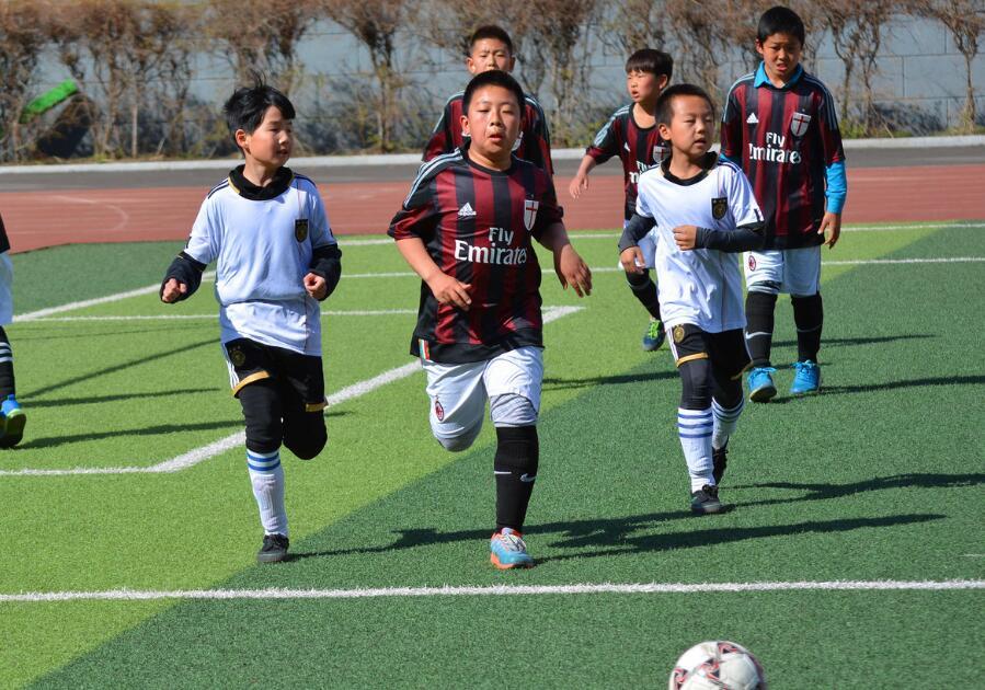 江苏镇江:校园足球从数量向内涵转变