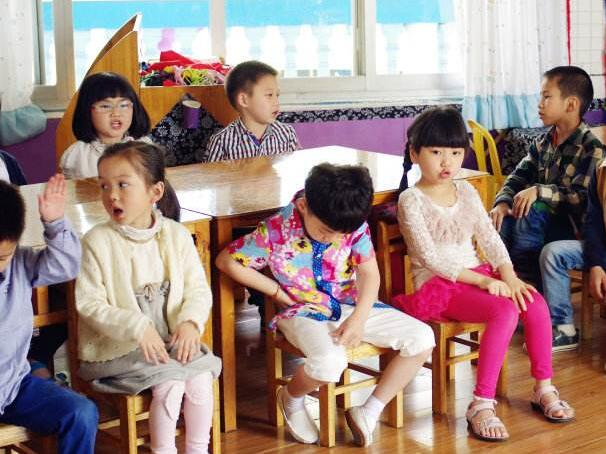 守护儿童世界的纯真 尊重孩子成长规律