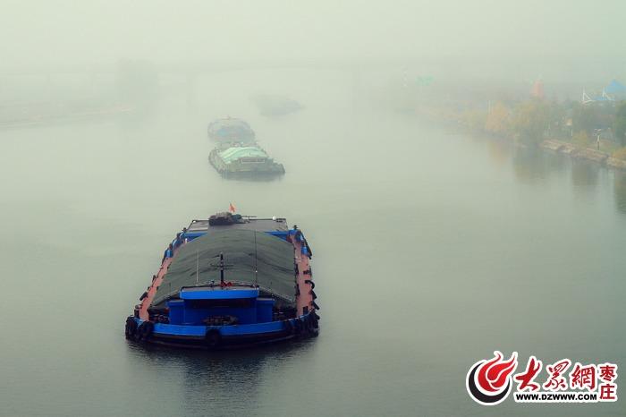 枣庄港航的运河公园,有点琼楼玉宇的感觉;<br/>