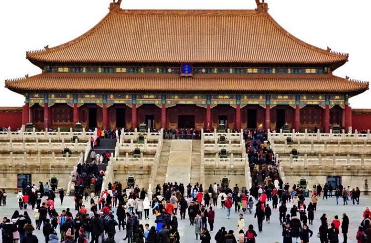 故宫博物院年接待观众数量首次突破1700万