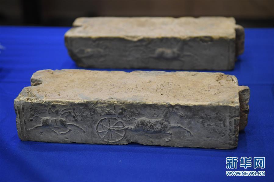 这是2月28日在美国印第安纳波利斯举行的交接仪式上拍摄的中国文物。新华社记者 刘杰 摄