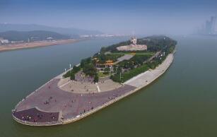 湖南省红色旅游受追捧 多个景区超最大日承载量