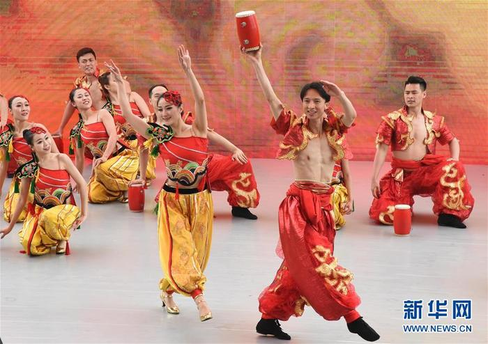 5월 12일 개막식 공연 현장. 사진 촬영/임초(任超) 신화사 기자<br/>  2019년 중국 베이징 세계원예박람회 '산서의 날' 행사가 베이징 세계원예박람회 단지에서 개막했습니다.<br/>