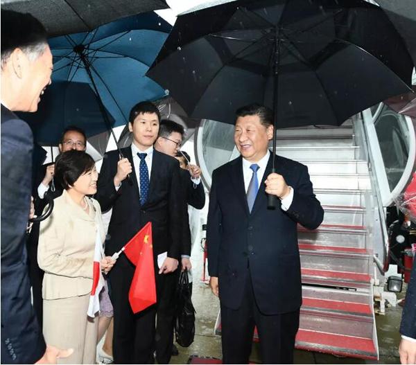 習近平国家主席が大阪に到着 G20サミット出席へ