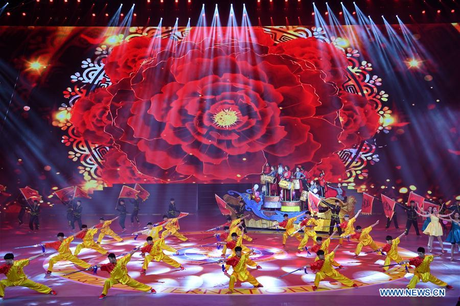 Acrobats perform during the closing show of the 17th China Wuqiao International Circus Festival in Cangzhou, north China's Hebei Peovince, Nov. 7, 2019. The 17th China Wuqiao International Circus Festival concluded here on Thursday. Founded in 1987, the biennial festival is regarded as China's longest-running international circus festival, while boasting a wide influence in the field of acrobatics. (Xinhua/Mu Yu)
