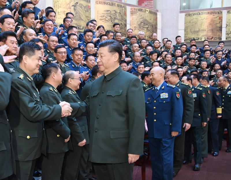 习近平在全军院校长集训开班式上强调 培养德才兼备的高素质专业化新型军事人才