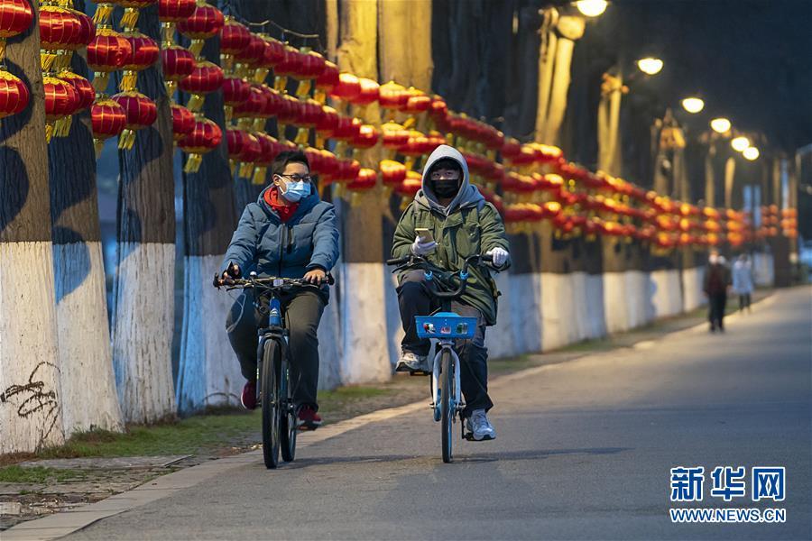 """同舟共济 众志成城——荆楚战""""疫""""直击"""