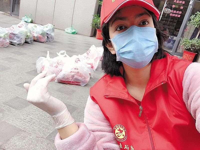 """武汉三名90后抗疫记:""""用我的方式,守护我爱的城市"""""""