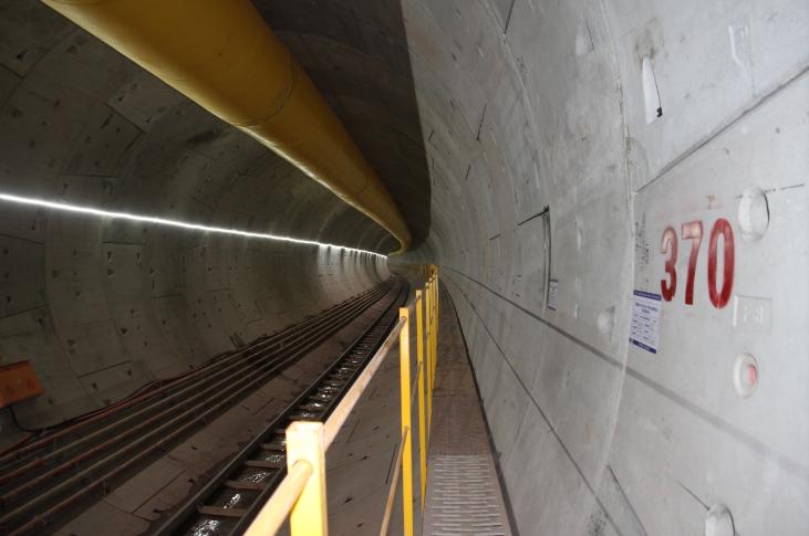 珠三角城际铁路大直径盾构机首次成功下穿珠江航道