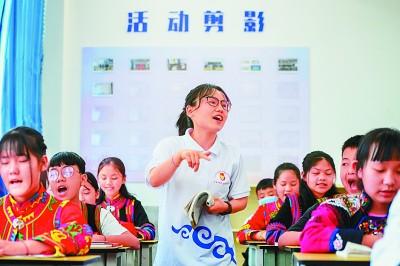 产业致富 教育强心——重庆大学对口扶贫云南绿春掠影