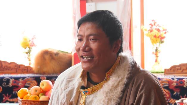 坐高铁看中国丨青藏线带着25岁的他第一次来到拉