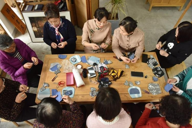 寻找济南文化符号——传统口金包非遗传承人张慧